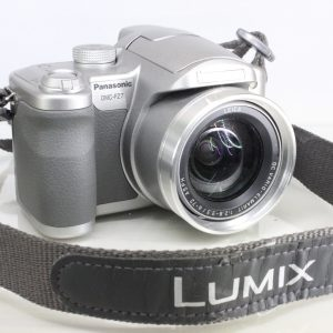 Panasonic Lumix DMC-FZ7 6MP Bright Silver with Autofocus Leica Lens