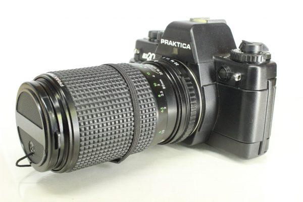 Praktica BX20 with Pentacon Prakticar 80-200mm Zoom MC Lens